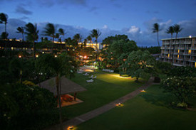 Kaanapali_beach_hotel_night